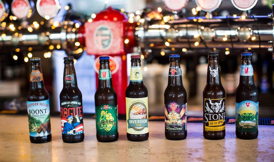Smokey's BBQ offers a fine selection of craft brews as well (via Facebook)