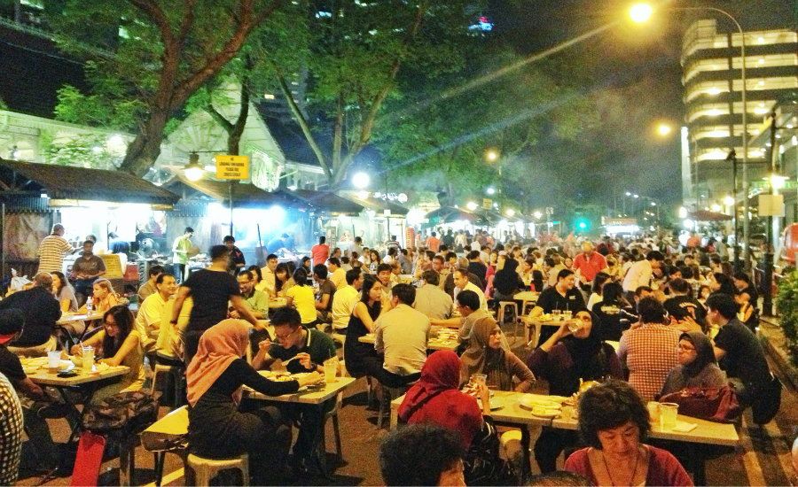 Lau Pa Sat transforms into satay paradise at night (Credit: Flickr/ Joanne Wan)