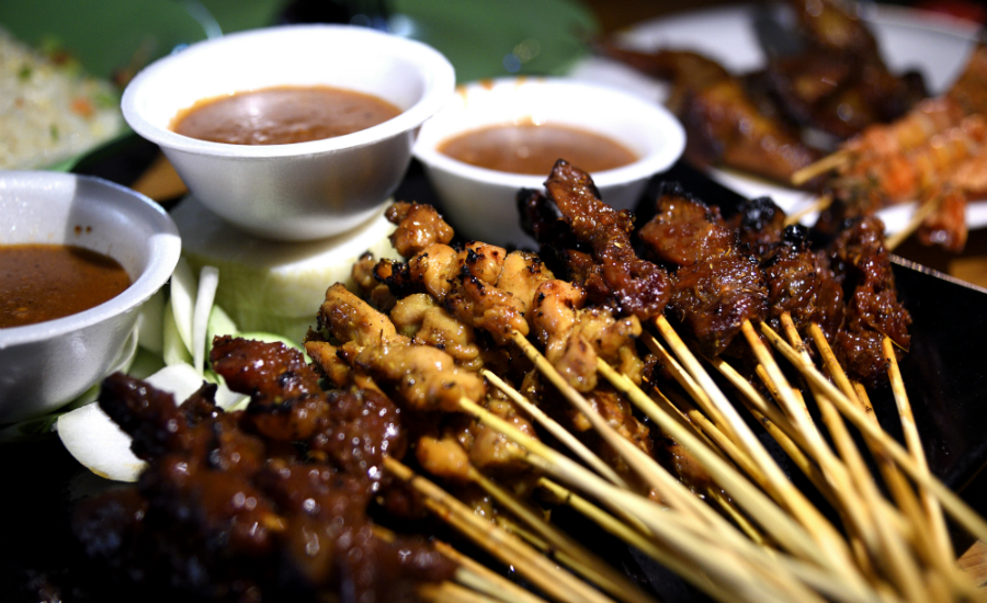 With up to eight pushcarts selling satay, you'll never leave Satay by the Bay hungry (Credit: Flickr/ MarPa87)