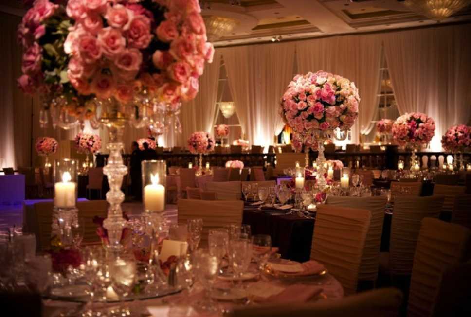 Spring wedding tablescapes: Five gorgeous floral ...