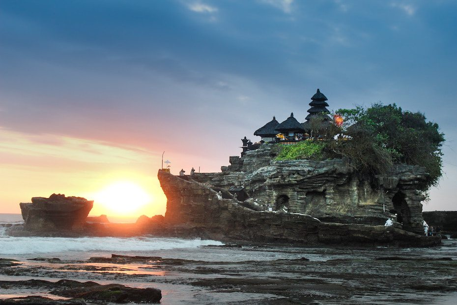 Phuket vs Bali: Tanah Lot