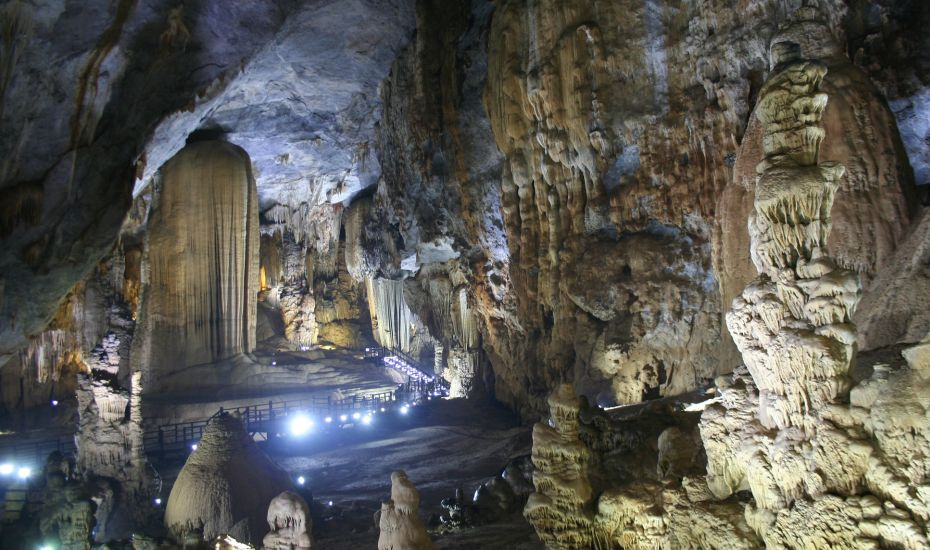 Adventure holidays in Southeast Asia: Spelunking in Phong Nha-Ke Bang National Park, Vietnam