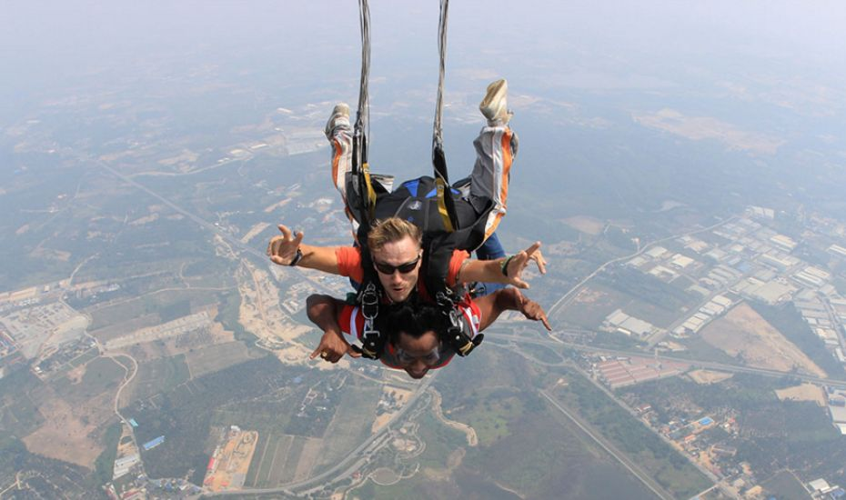 Adventure holidays in Southeast Asia: Sky diving in Pattaya Thailand