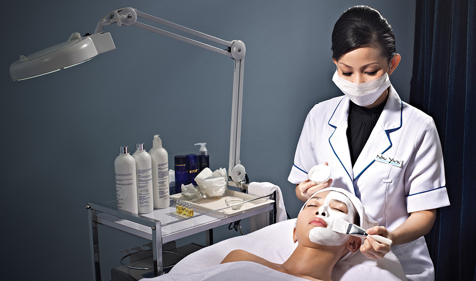 Facial treatments in Singapore: Non-invasive treatment to hydrate and brighten dull skin from New York Skin Solutions