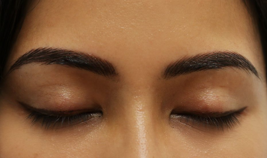 Eyebrow guide: eyebrow microblading