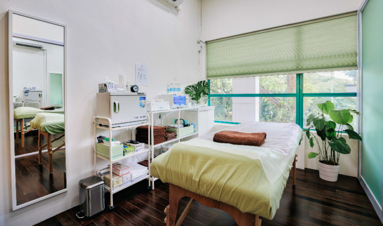 Hair removal in Singapore: Sugaring at Sugar(ed) gets a Honeycombers review