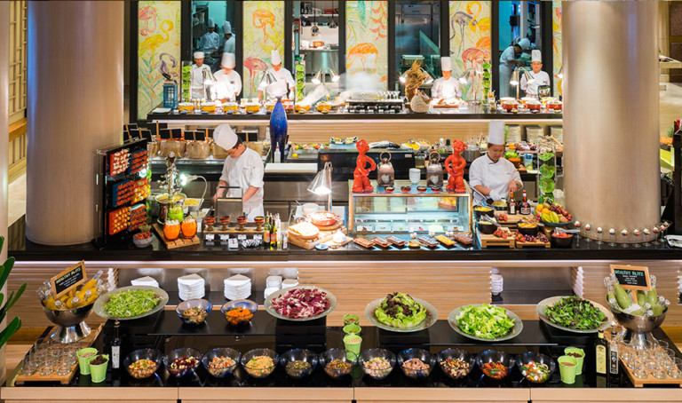 Weekend brunch in Singapore: Fresh seafood, gourmet salads, Sunday roasts and luscious desserts at Conrad Centennial Singapore