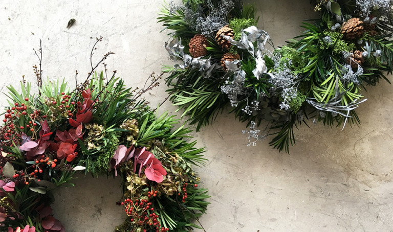 Christmas wreaths in Singapore: How to design your own Christmas decorations