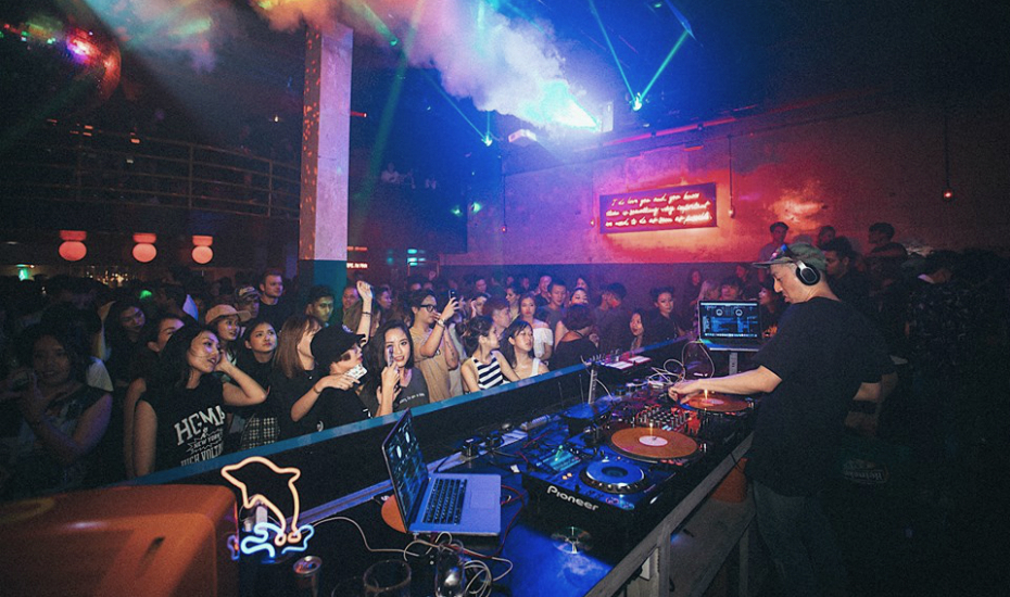 Bass in yo' face: There's an underground drum and bass party