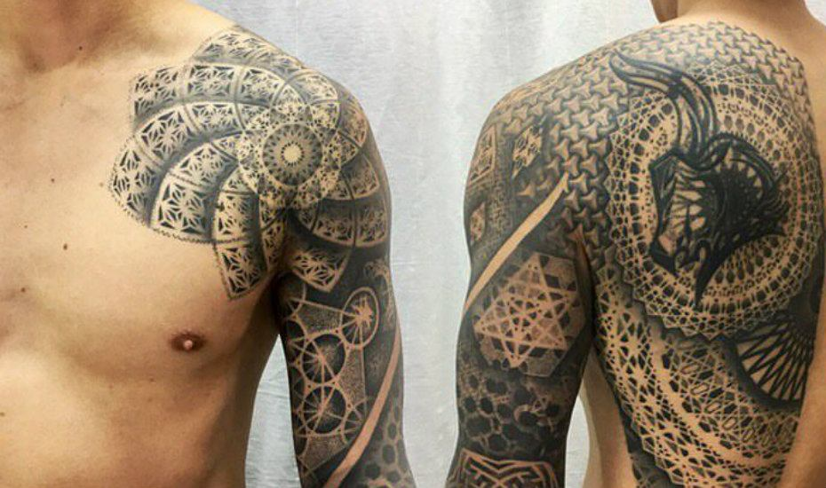 Tattoo studios in Singapore: Fingers Crossed. Artist: Jared Asalli