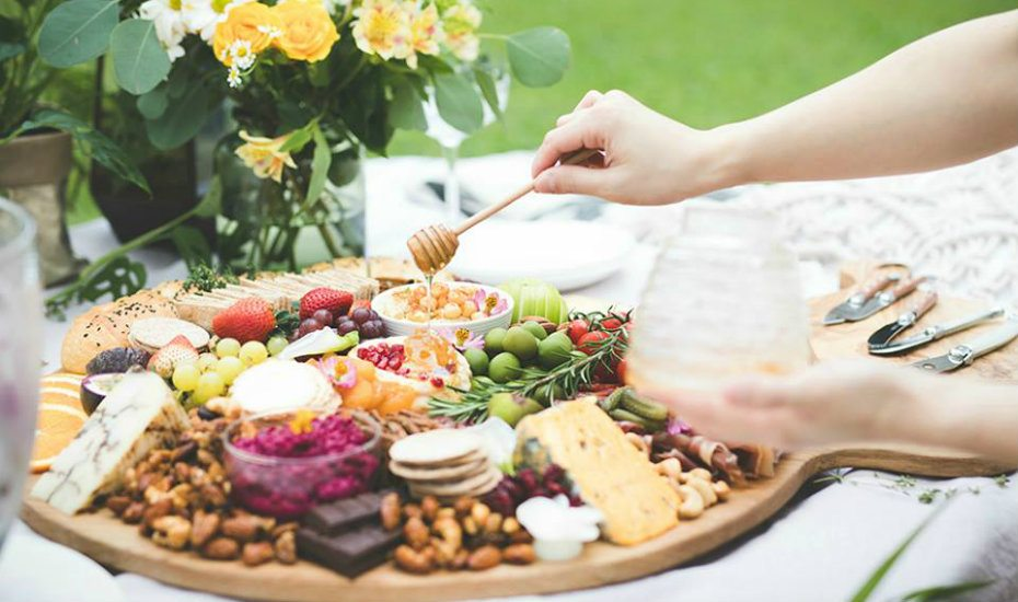 Get it catered: beautiful buffet tables, halal dishes and private chefs to cheat your way through your for next party