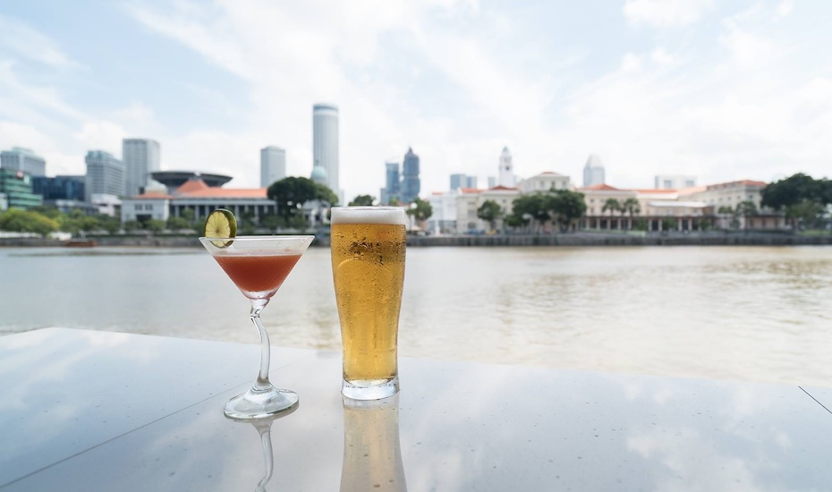 Happy hour of the week in Singapore: Bars in Boat Quay with cheap drinks