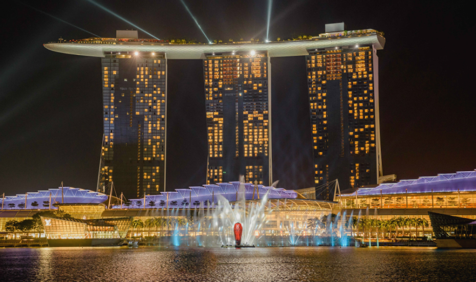 Marina Bay Sands in Singapore: The integrated resort reveals a new light and water show at the promenade