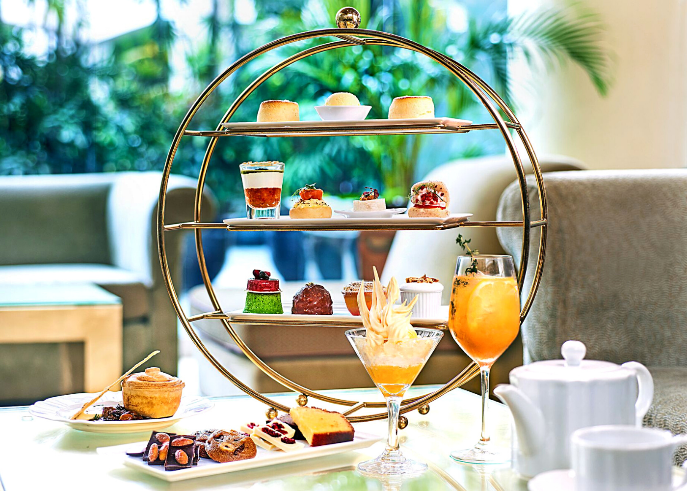 Afternoon tea at Chihuly Lounge