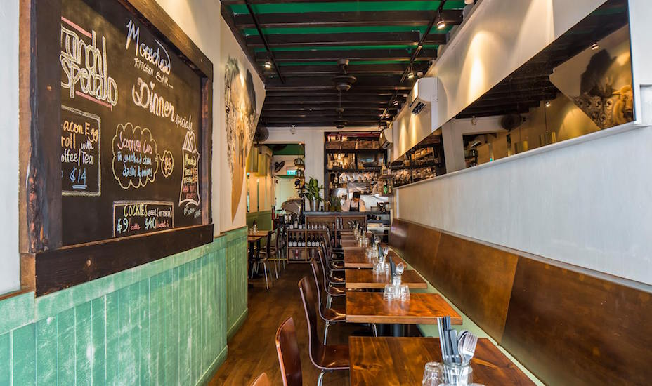 Moosehead Kitchen and Bar in Telok Ayer