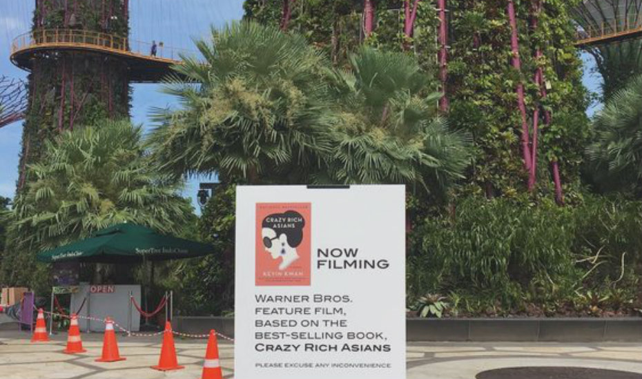 The Crazy Rich Asians cast are having a blast filming in Singapore