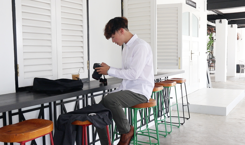 Style inspo: Photographer Daryl Aiden (@darylaiden) rocks a versatile wardrobe of functional basics from Uniqlo Singapore