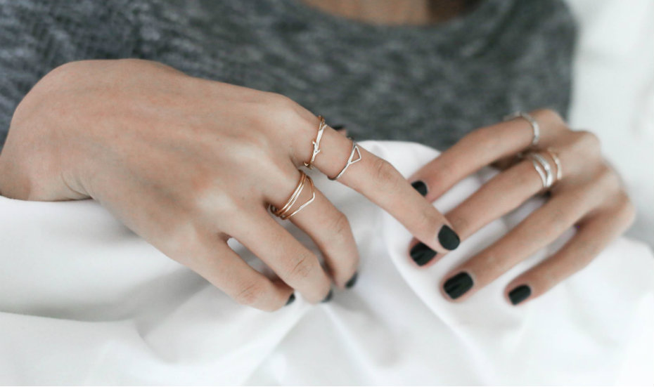 Minimalist jewellery in Singapore