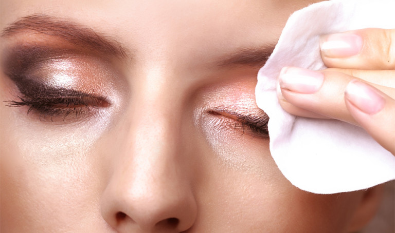 Cleansing oils, makeup wipes, micellar water, balms and the best makeup removers for a thoroughly clean slate