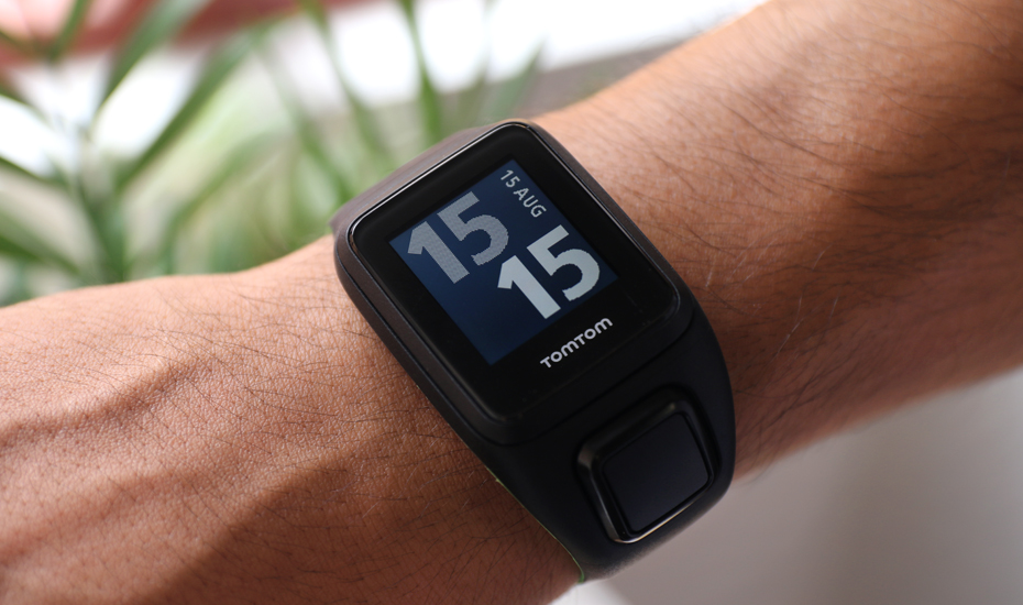 The Affordable Tomtom Runner 3 Fitness Watch Is Great For Runners