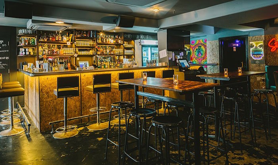 Skinny's Lounge Karaoke KTV bars Singapore Honeycombers