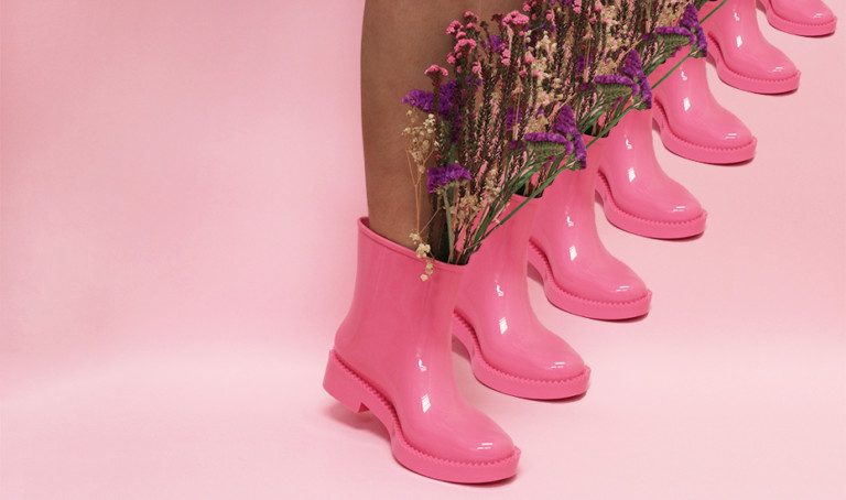 Yes you can wear boots in tropical Singapore: it's all about the ankle style