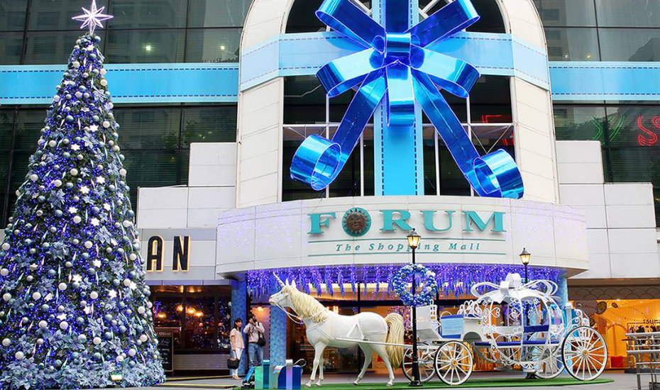 shop at participating malls including forum the shopping mall for christmas photography orchard - Christmas Forum