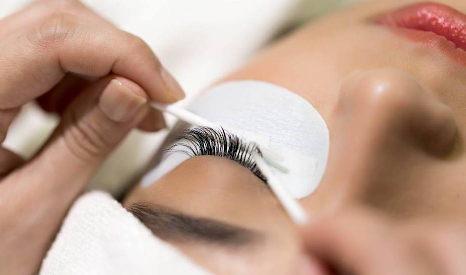 Where to do eyelash extensions in Singapore | Carragheen