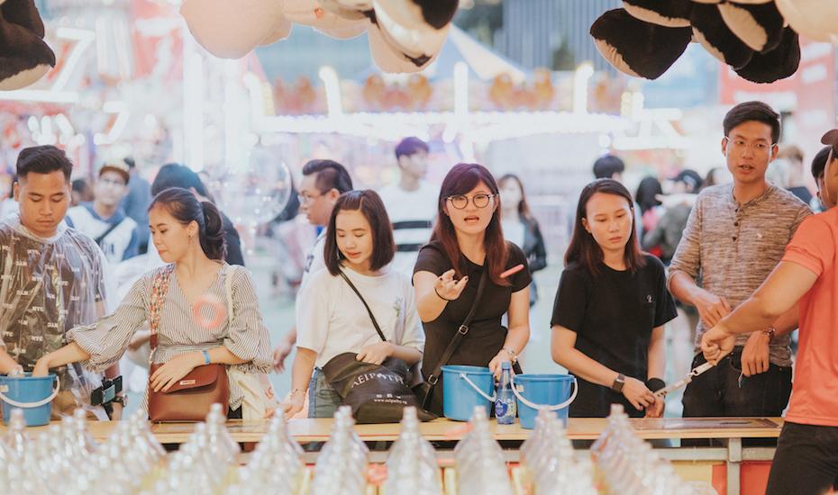 Prudential Marina Bay Carnival Ring Toss Honeycombers
