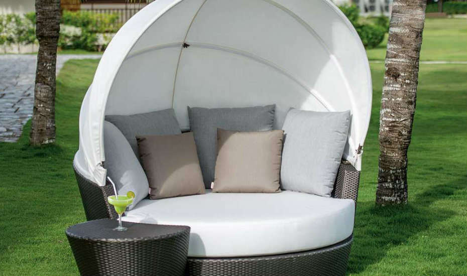 outdoor-chairs-OHMM