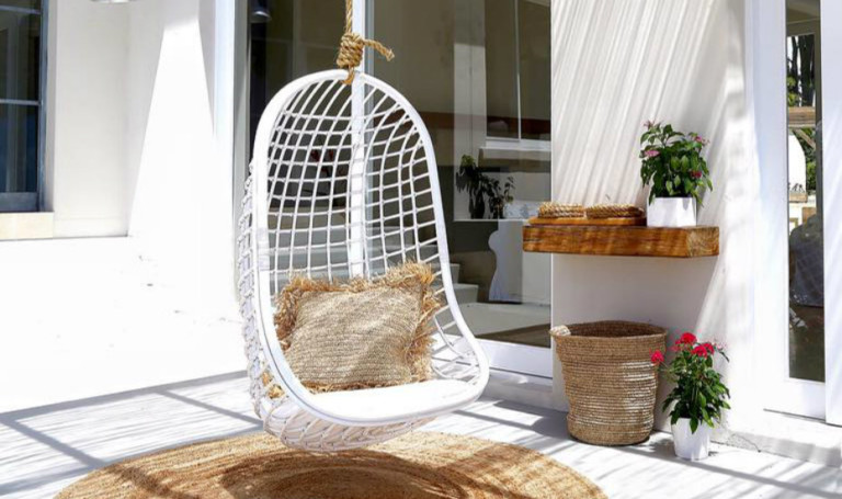 Hanging chairs, hammocks and dreamy chairs for chilling outdoors in Singapore