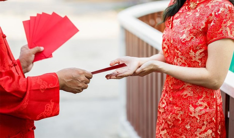 Ang pao etiquette: a rookie's guide to red packet rules for Chinese New Year