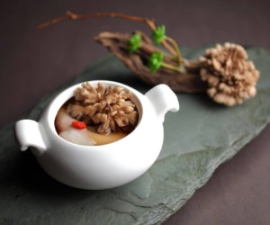 mandarin oriental honeycombers singapore