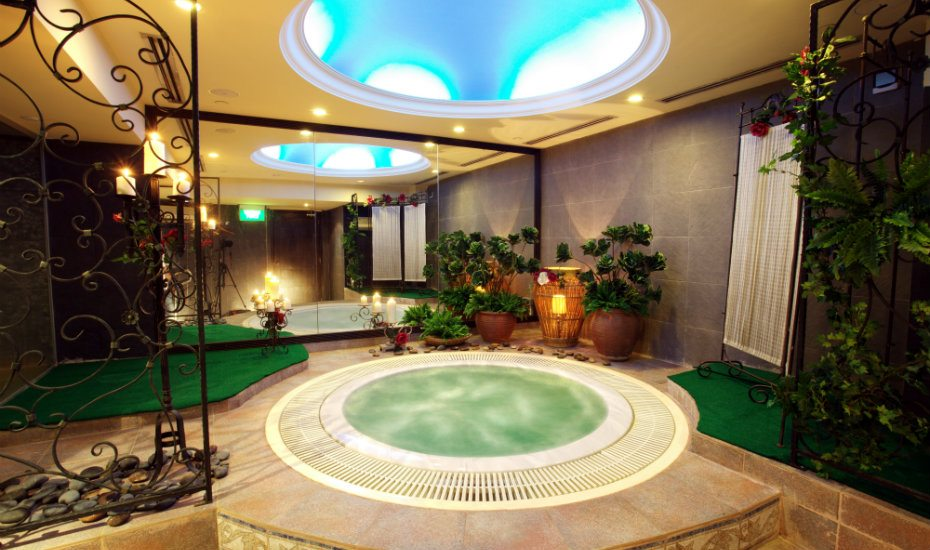 Jacuzzi at Passage New York