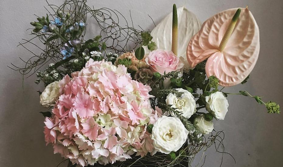 Best florists in singapore for online orders delivery and styling silk flowers singapore shop wonderland cafe and florist creates stylish modern flower arrangements mightylinksfo