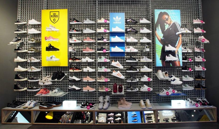 d4d35534a0b39e The Sneakerhead s guide to shopping