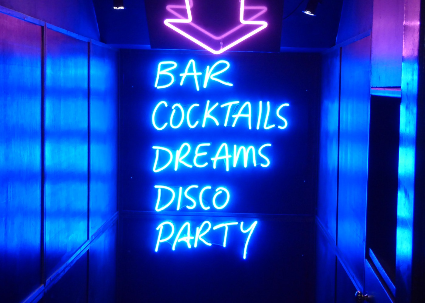 bar cocktails disco party neon sign