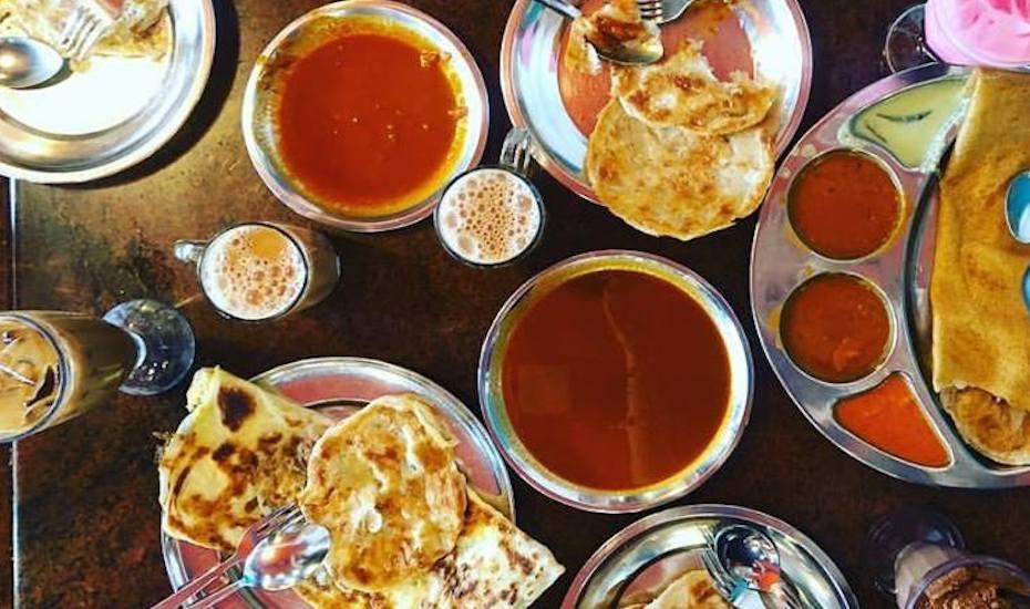 Roti prata at Casuarina Curry
