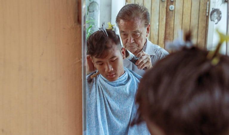 The last of Singapore's streetside barbers: Meet Mr Lee