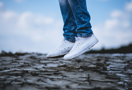 Easiest way to get clean and white sneakers | White sneakers clean