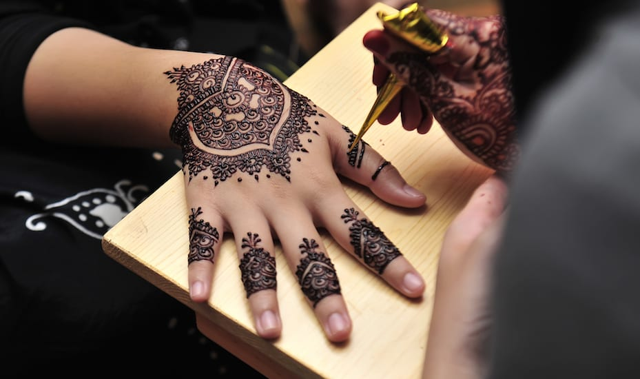 Professional Henna Tattoo Artists For Hire In Austin: Get Inked By These Henna Artists In Singapore