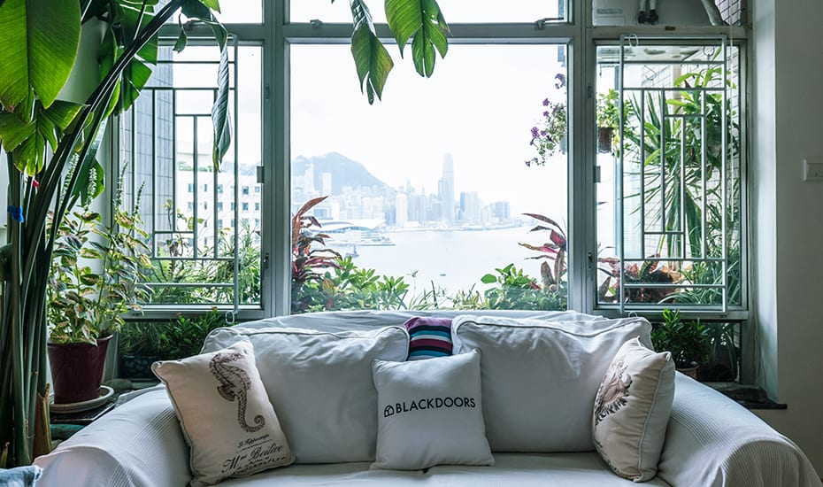 Fancy a hotel stay in Hong Kong without the crazy price tag? Try a premium home with hotel service at BlackDoors.