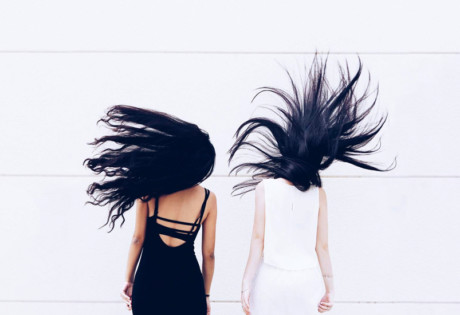 Tame frizzy hair | How to fight the frizz in Singapore
