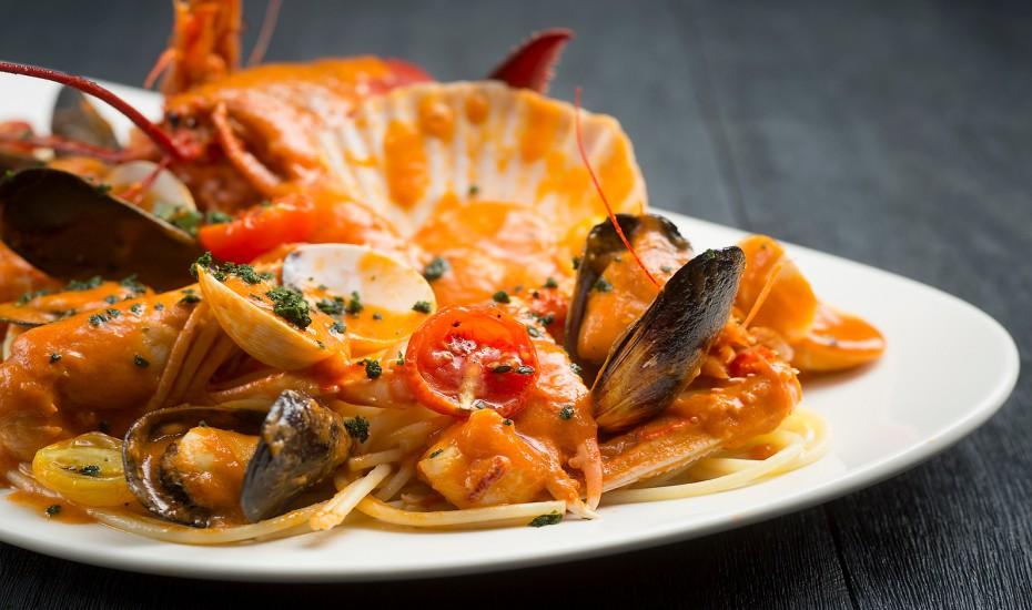 1-for-1 set menus at RWS celebrity chef resta
