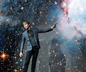 Physicist Professor Brian Cox live in Singapore Universal World Tour interview
