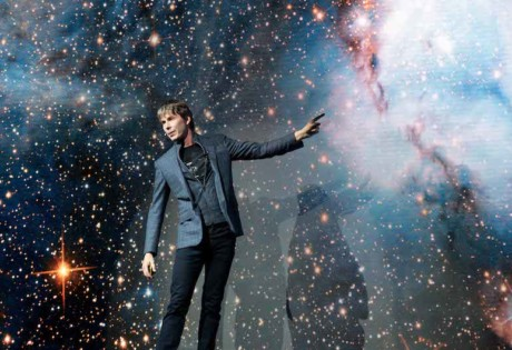 Physicist Professor Brian Cox live in Singapore Universal World Tour interview