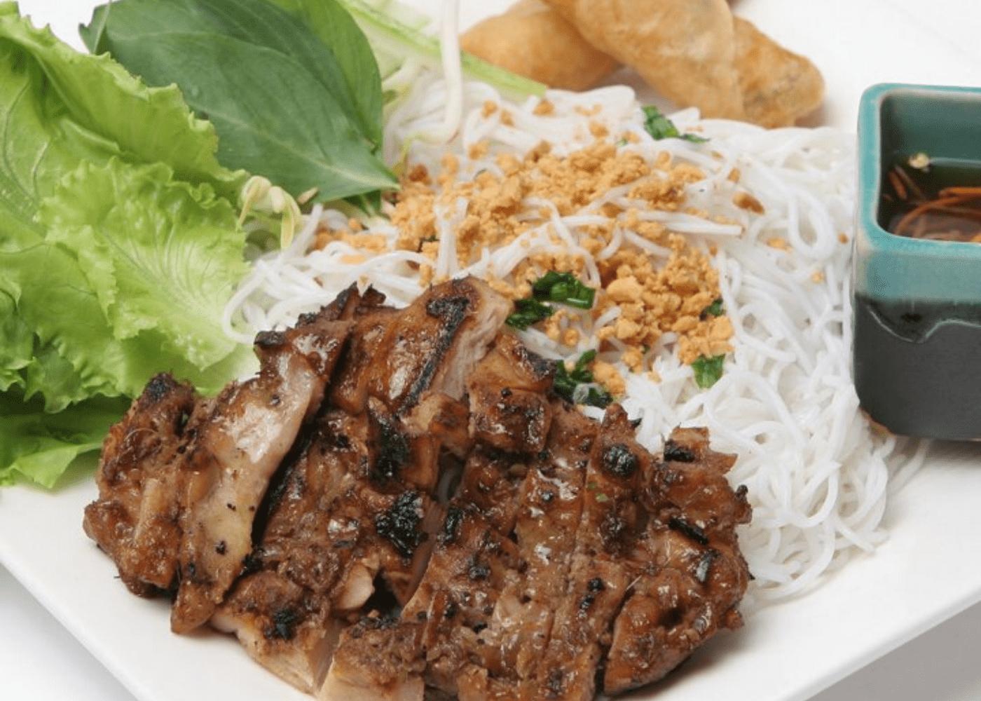 the orange lantern | chicken noodles halal food | halal restaurants and cafés in Singapore