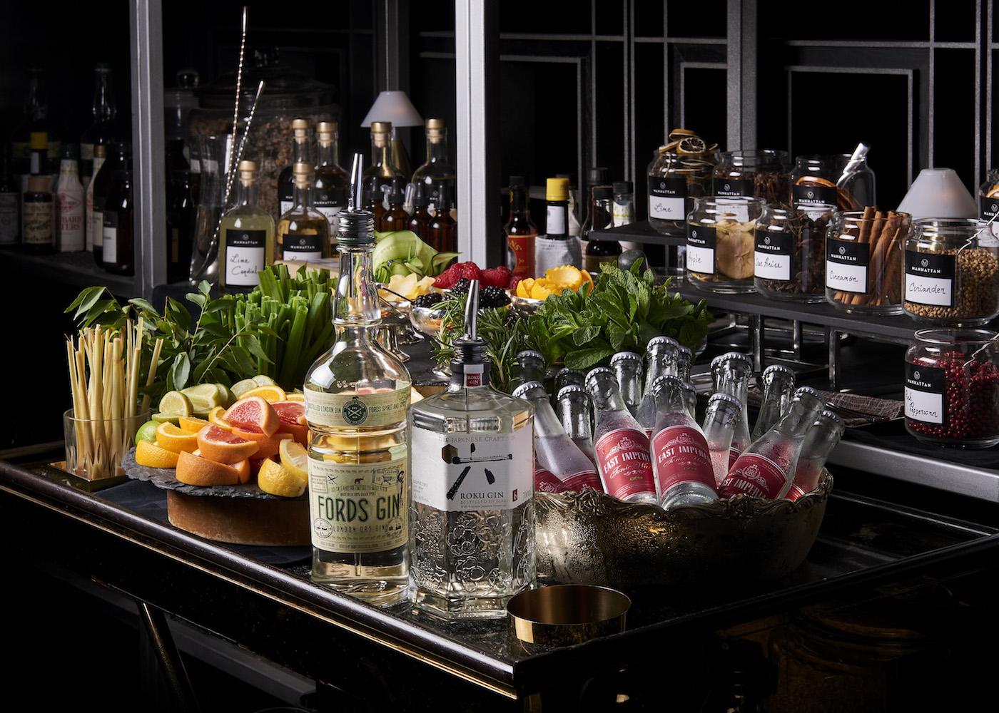 Free flow cocktails | Manhattan Bar Sunday brunch