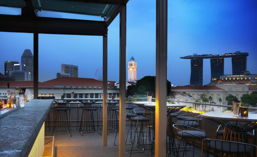 Located at the back of boat quay, Southbridge has amazing views of the Singapore River.