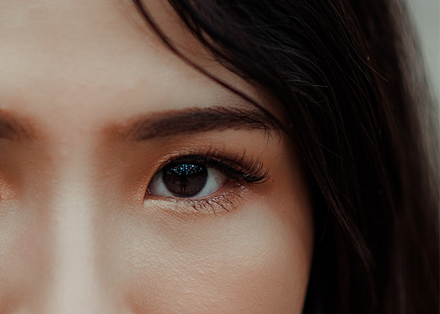 It's makeover time! Prettify your look with Dreamlash's natural Korean eyelash extensions